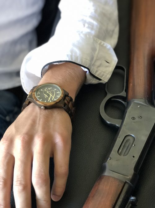 wood watch with winchester rifle